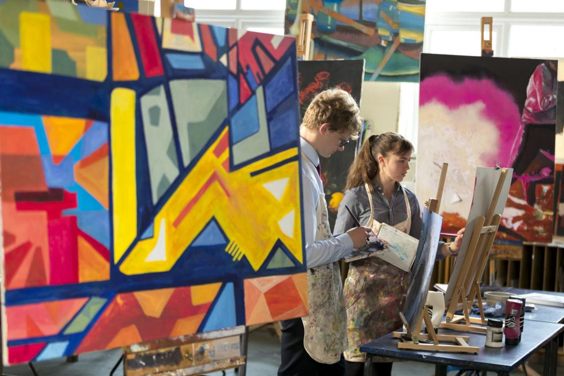 wycliffe seniors in art class