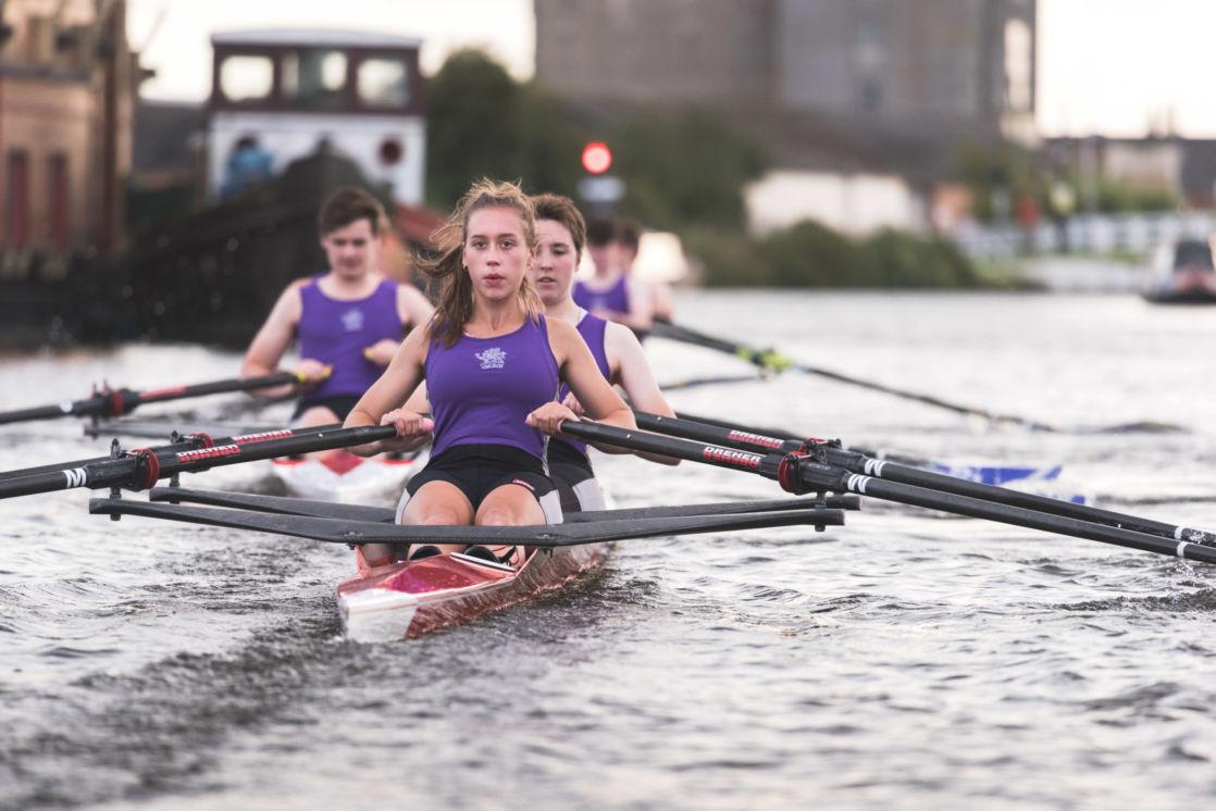 wycliffe female rowing team