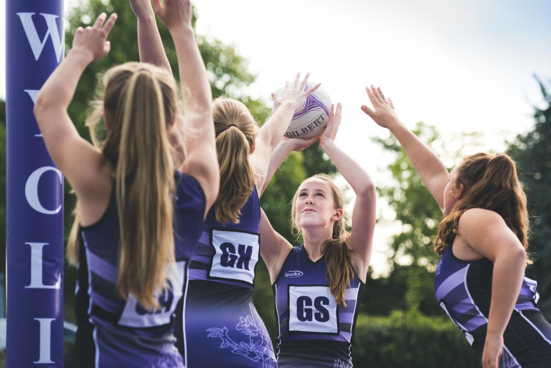 wycliffe girls playing netball