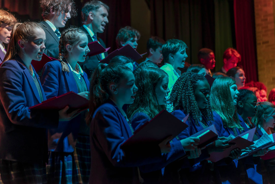 wycliffe pupils singing in a chorus