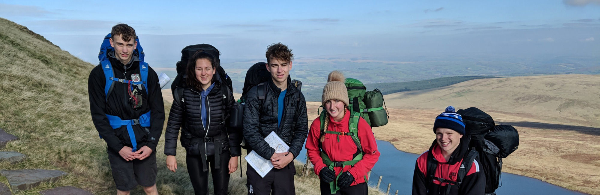 wycliffe pupils on a trip outdoors
