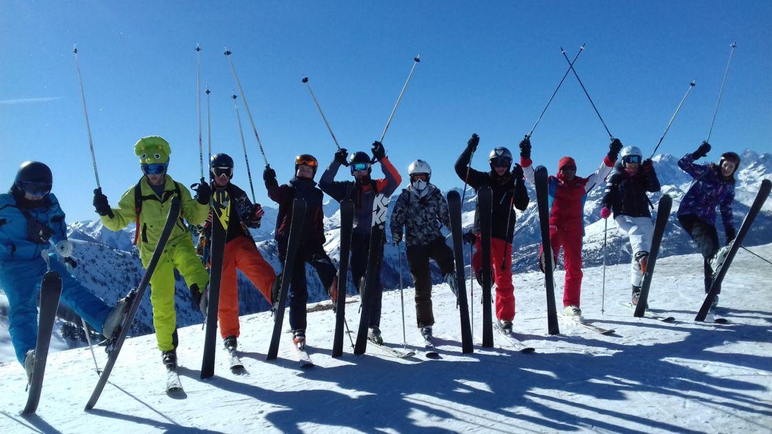 wycliffe students on a ski trip