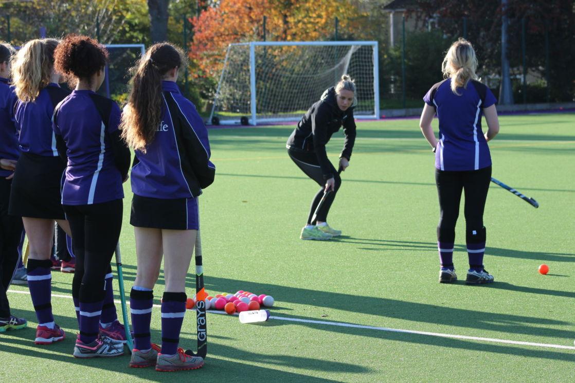 wycliffe girls playing hockey