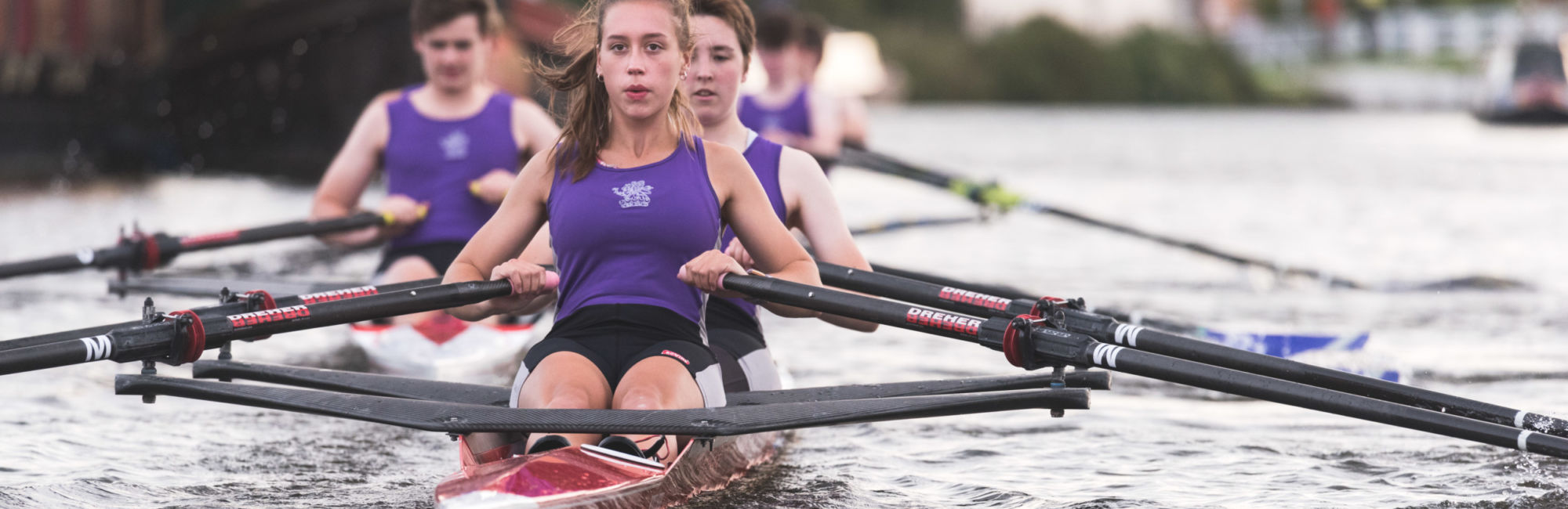 wycliffe college female rowing team